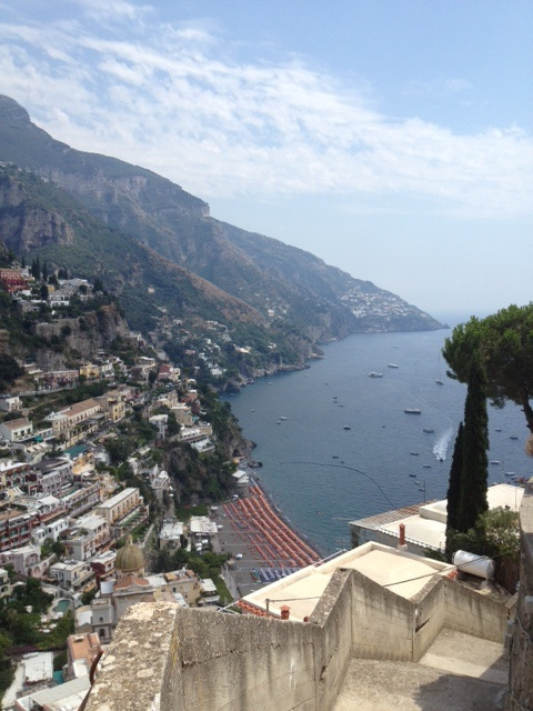 The sheer drama of Positano provides an amply sexy backdrop for a stylish sojourn.